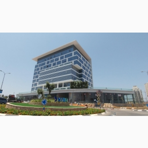להשכרה משרדים בגדלים שונים בבניין יוקרתי חדש